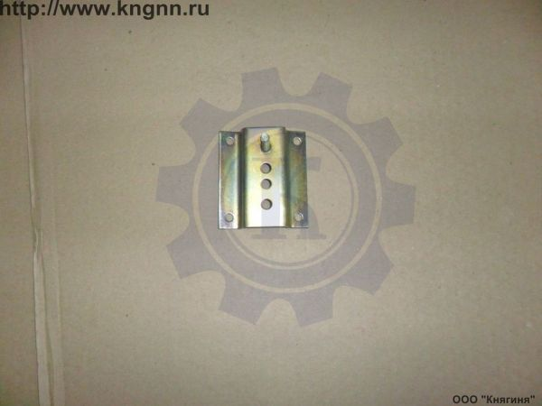 Кронштейн переднего бампера Г-3302 боковой левый н/о