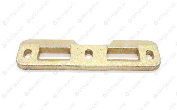 Защелка замка двери задка УАЗ-452 нижняя